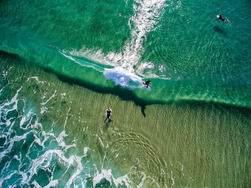 موج سواران ساحل سان کلمنت | کالیفرنیا | عکس از Eric Peniata