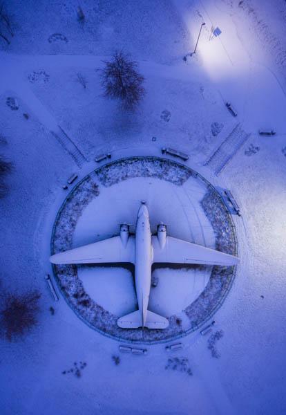 هواپیمایی از دوران جنگ جهانی دوم در محوطه بیرونی موزه جنگ کبیر میهنی در مینسک | بلاروس | عکس از Salim Madjd