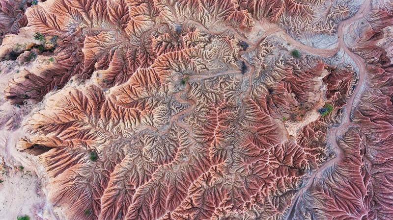 چین خوردگی های سنگی عجیب در بیابان تاتاکوآ | کلمبیا | عکس از Fran Arnau