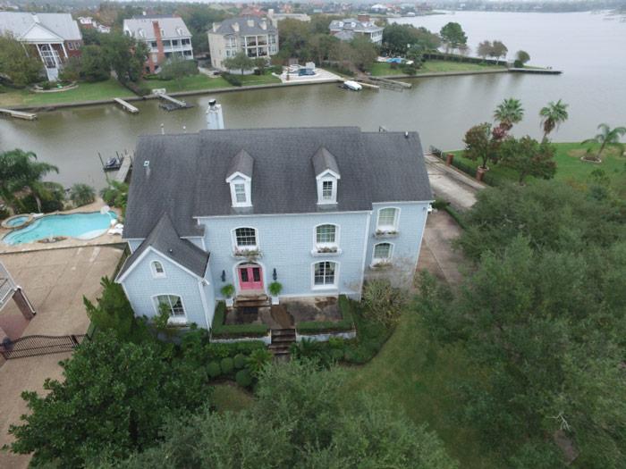تصویر مایل نمونه از خانه، تهیه شده با DJI Inspire 1