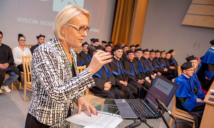 دکتر Dorota Grejner-Brzezinska