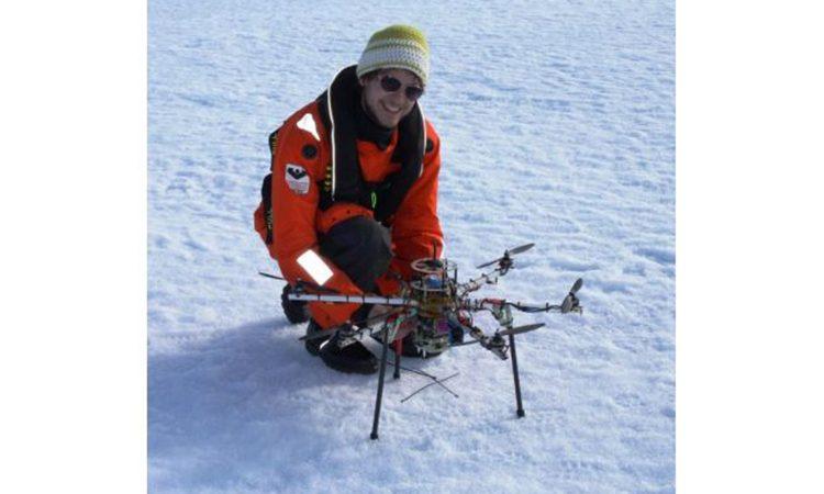 UAV بر چالش های تعیین موقعیت در نزدیکی قطب شمال غلبه نموده است